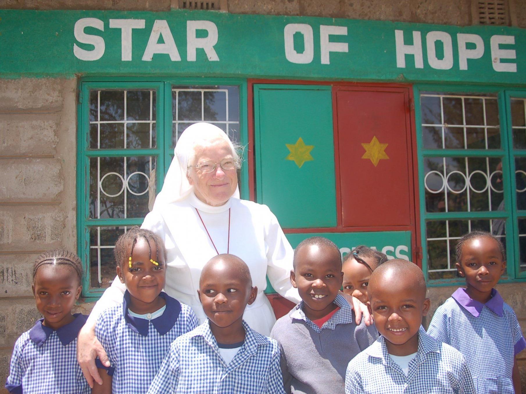 Schwester Pacis hat es sich zum Lebensinhalt gemacht, armen Menschen in den Entwicklungsländern zu helfen
