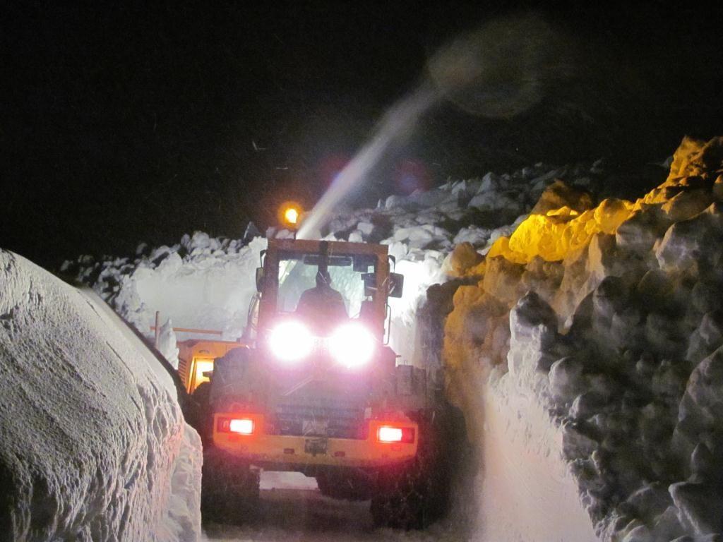 Nächtlicher Schneeräumeinsatz in Schröcken