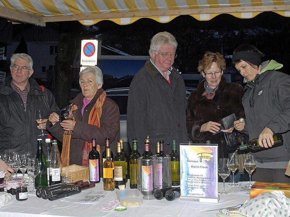 """Burgenländischer Weinstand beim """"Tschagguser Winterburamarkt"""" am 7. Jänner 2011"""