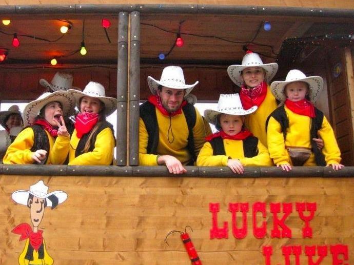 Cowboys und Indianer geben sich beim diesjährigen Butzvarruckt-Ball in der Oberau ein Stelldichein