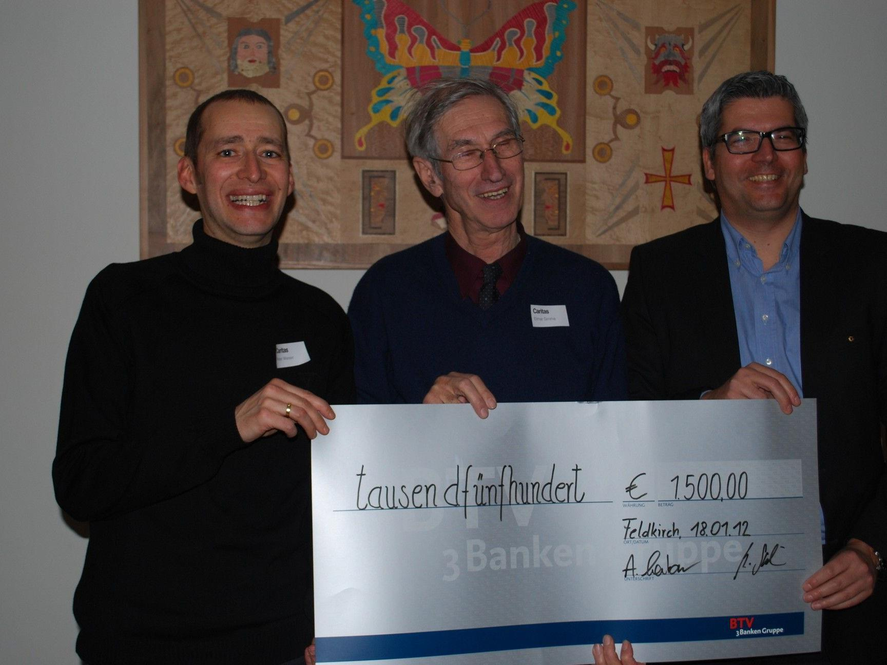 Spendenübergabe der Lions an die Caritas.