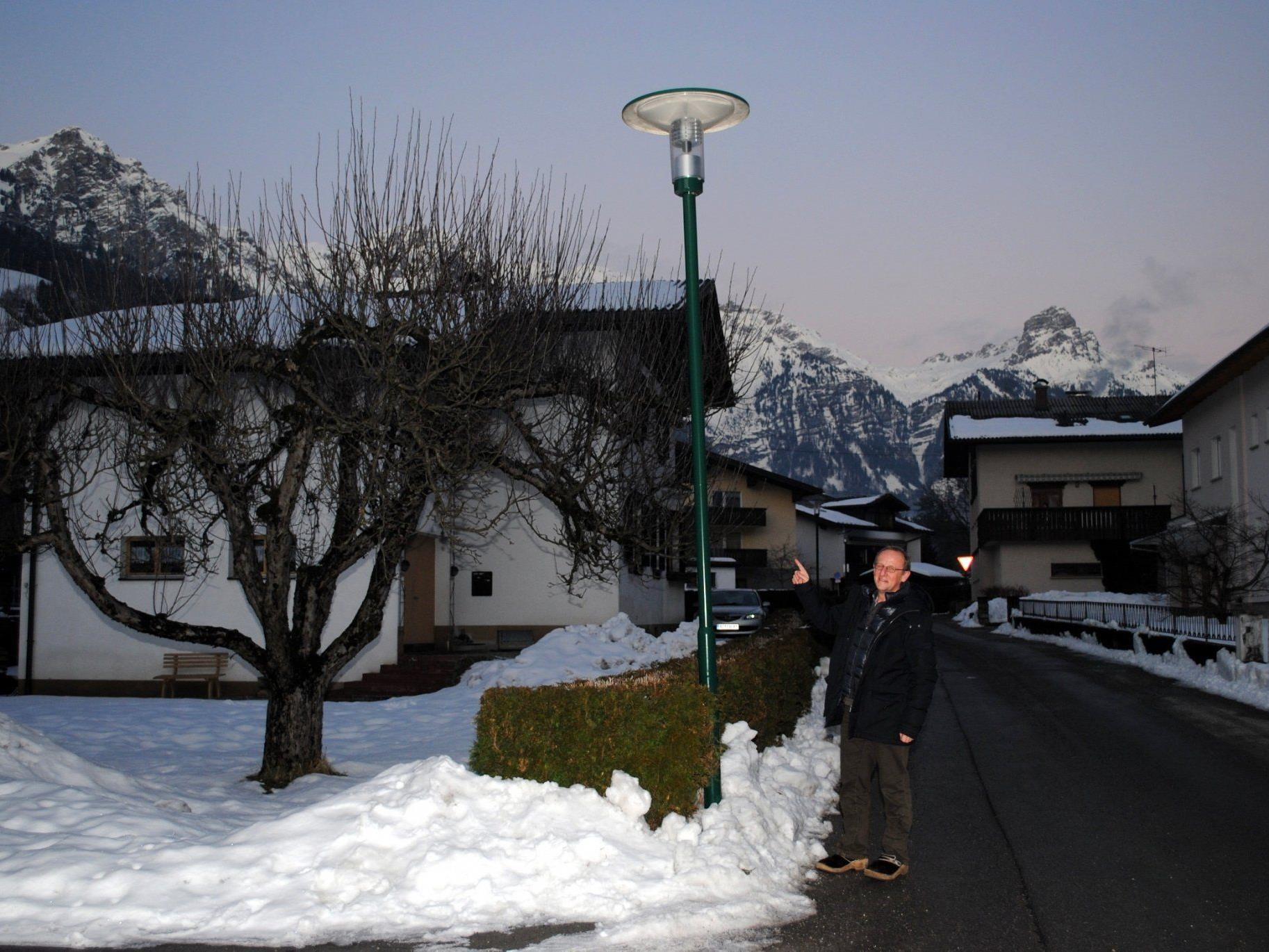 Bürgermeister Bertram Luger setzt auf die neue LED-Technologie