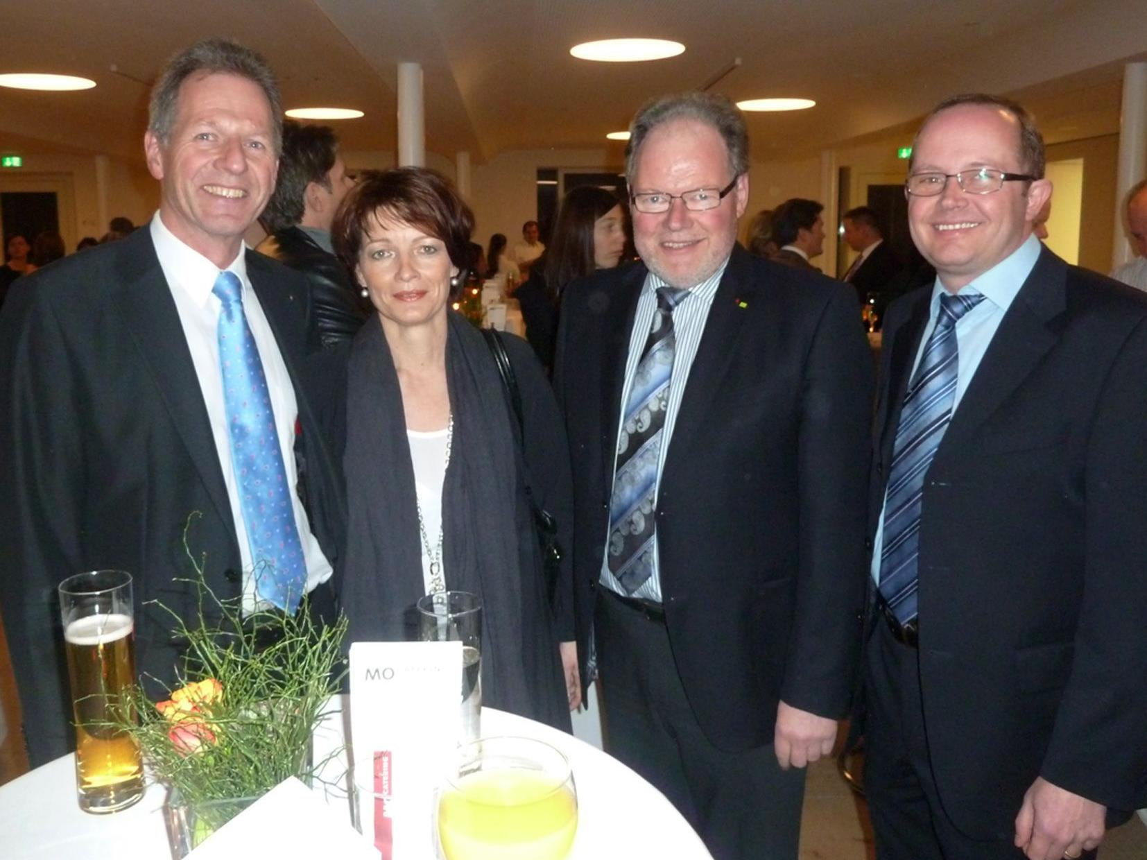 Bgm. Richard Amann mit Anni, Bgm. Werner Huber und StR. Charly Dobler beim Neujahrsempfang.