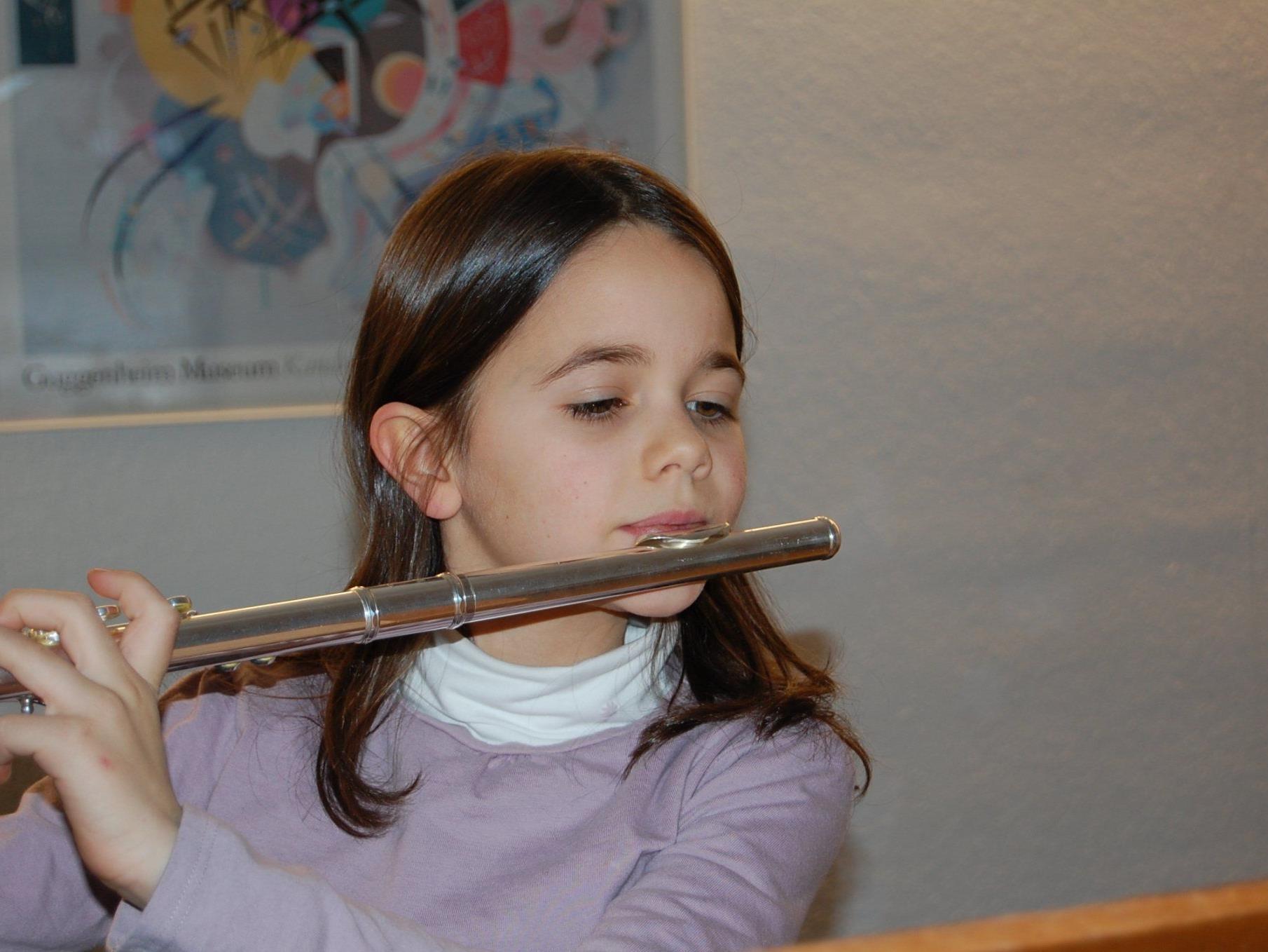 Junge FlötenkünstlerInnen wie Sophia werden im Februar zu hören sein.