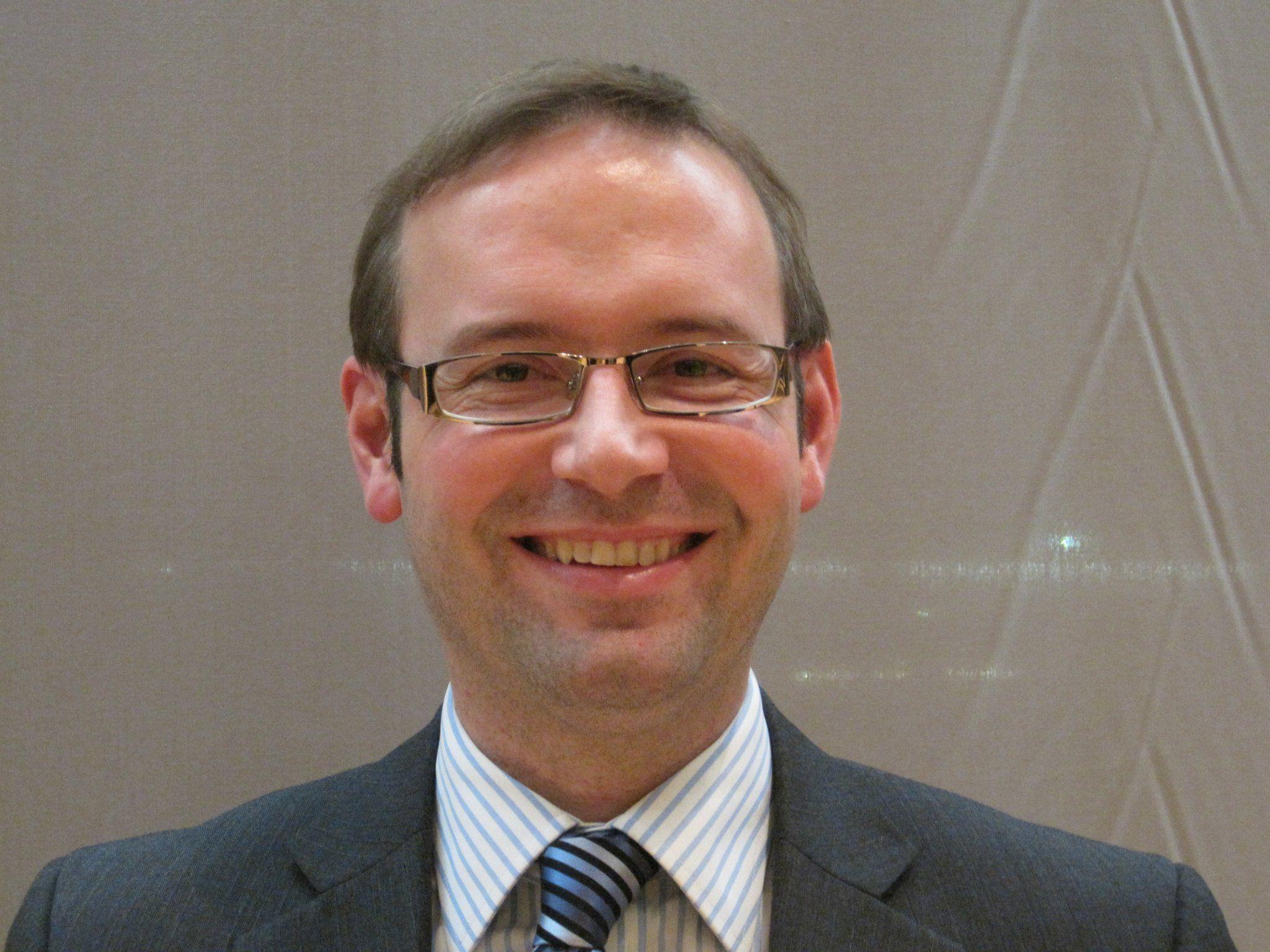 Kulturreferent Daniel Steinhofer interessiert sich für seine Ahnen