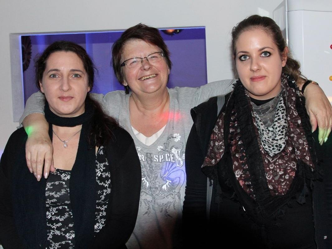 Die Betreuerinnen Claudia Kutzer, Heidrun Schmid und Ramona Heis freuen sich auf die jungen Gäste!