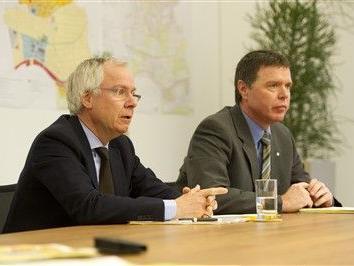 Freddy Kaiser (Bild, rechts), und der Geschäftsführer der Hilti Foundation, Egbert Appel (Bild, links), informierten über die Zukunftspläne von Hilti.