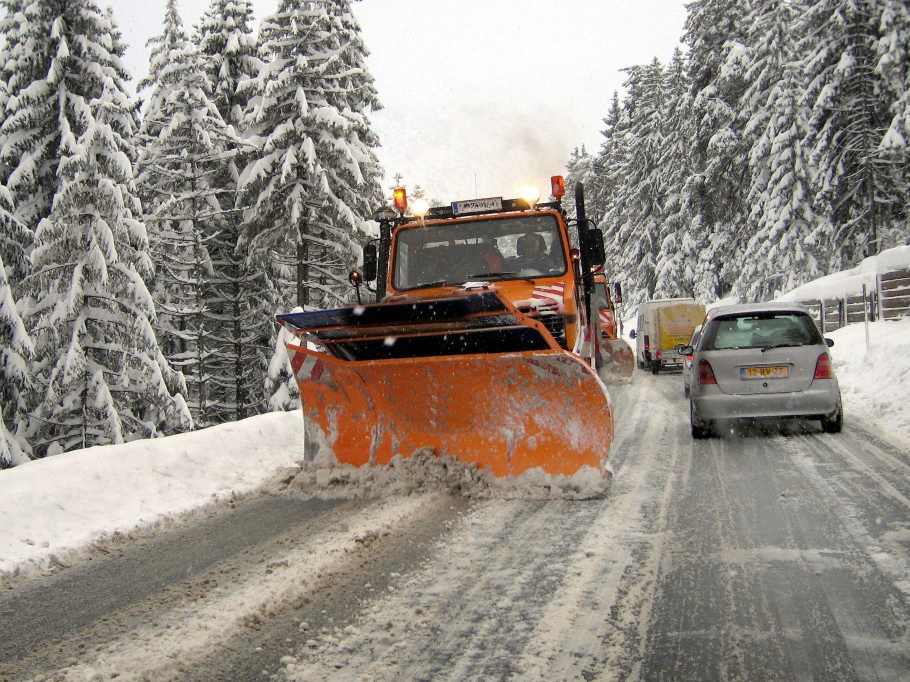VCÖ rät zur Vorsicht bei winterlichen Fahrbahnverhältnissen.