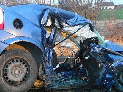 Der Unfall in Hollabrunn forderte einen Toten und eine Schwerverletzte