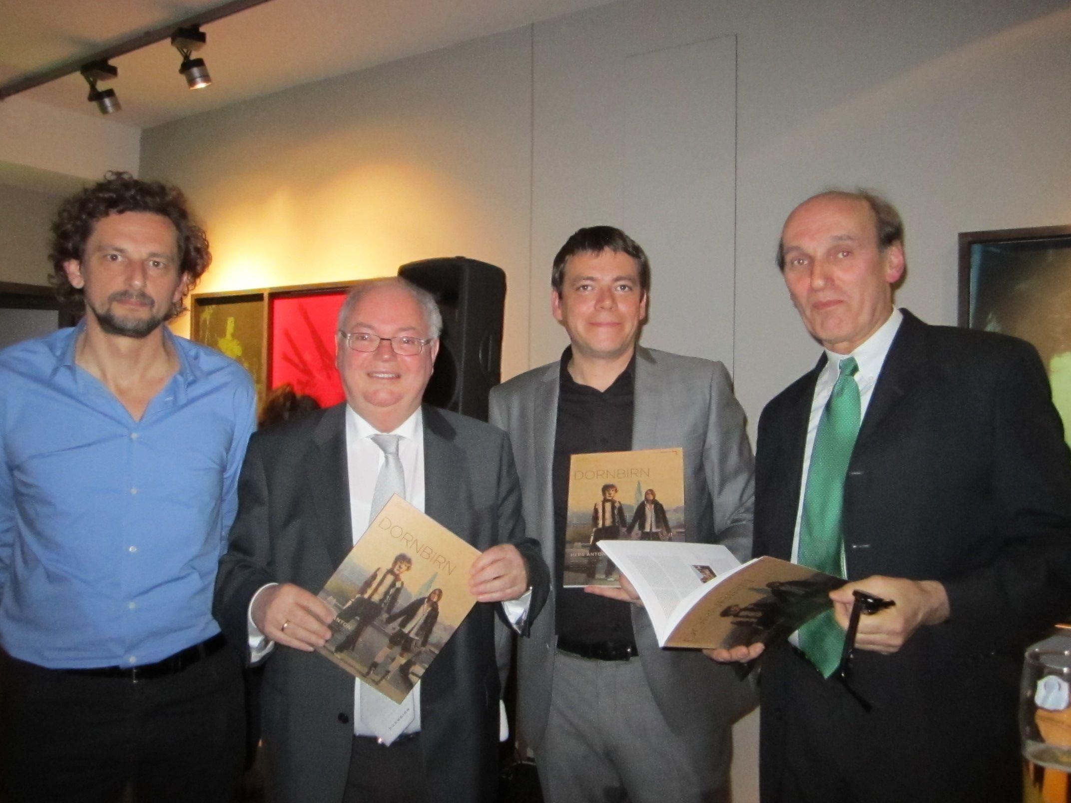 Marty Rauch (IRR), Bgm. Wolfgang Rümmele, Klaus Lingg (Dornbirn Tourismus),  Hans Dünser (Kunstraum)
