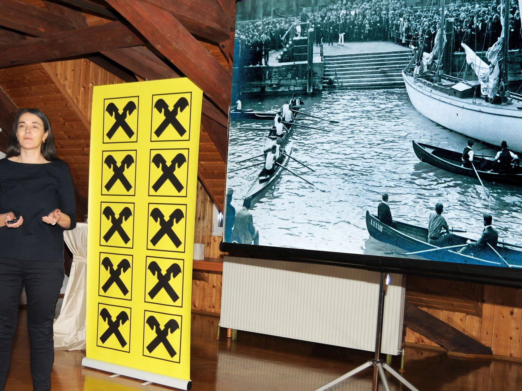 """Rita Bertolini präsentiert ihre """"Landpartie"""", ein attraktives Werk mit historischen Aufnahmen."""