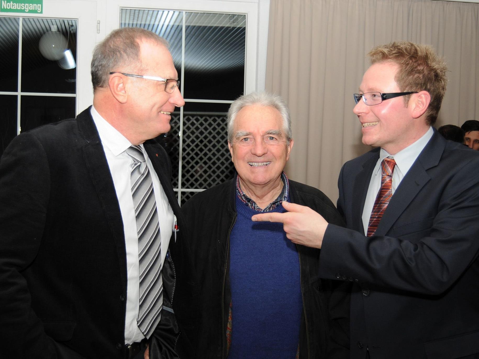 Markus Klement mit Mag. Peter Marte und Alt-Intendant Dr. Leonhard Paulmichl