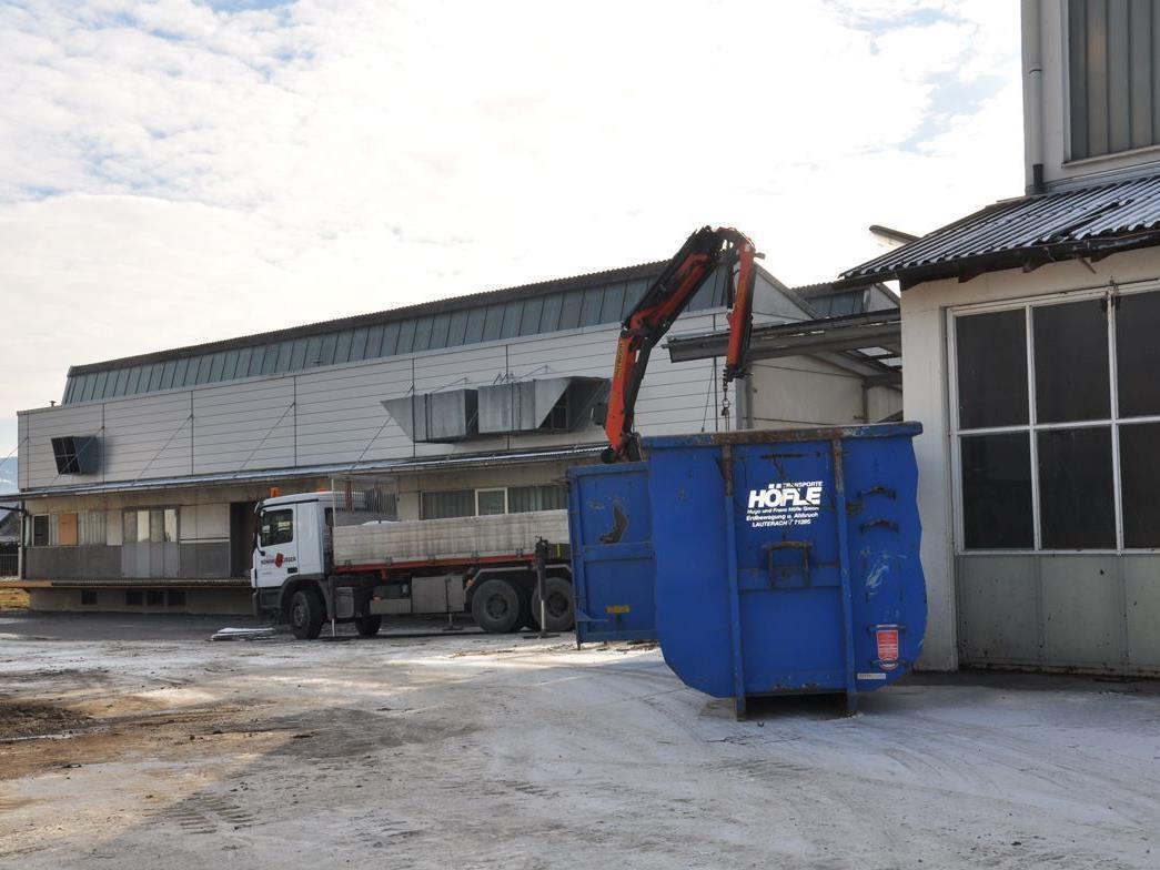 Heute früh starteten die Abbrucharbeiten im ehemaligen Wolff-Areal.