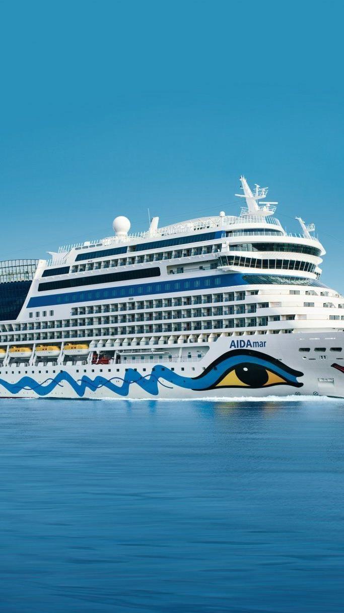 AIDAluna startet von Hamburg in Richtung Nordeuropa.