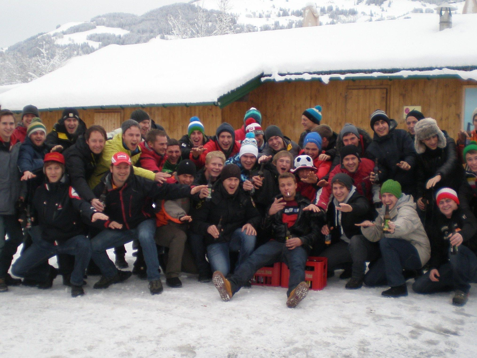 Die Reisegruppe des FC Egg in Vorfreude auf das Rennen in Kitzbühel