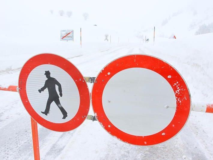Arlbergpass- und Flexenstraße waren bis ca. 11 Uhr gesperrt