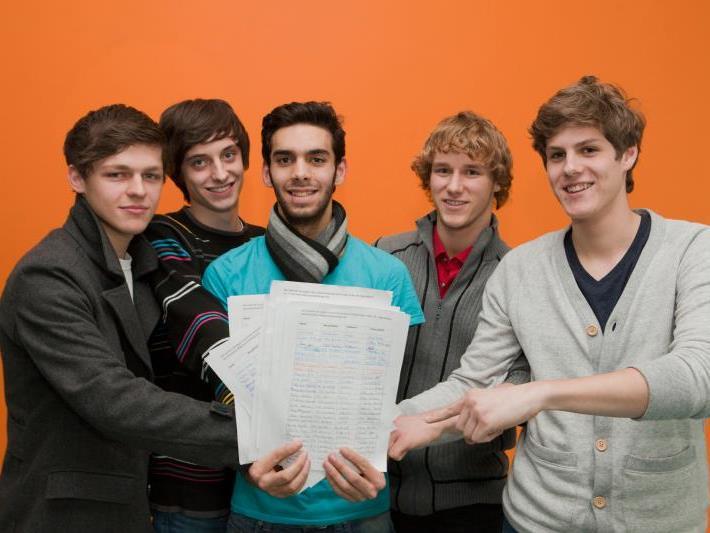 Luca Franzoi, Daniel Bachmann, Cem Sürmeneli, Lukas Morre und Michael Widerin (v. l.) haben bereits über 300 Unterschriften gesammelt.