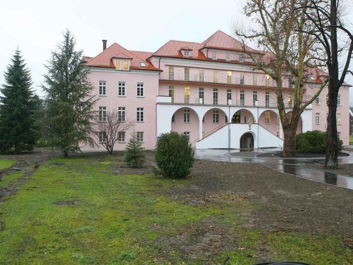 Der Ärztemangel hat nun auch das Sanatorium Mehrerau in Bregenz erreicht.