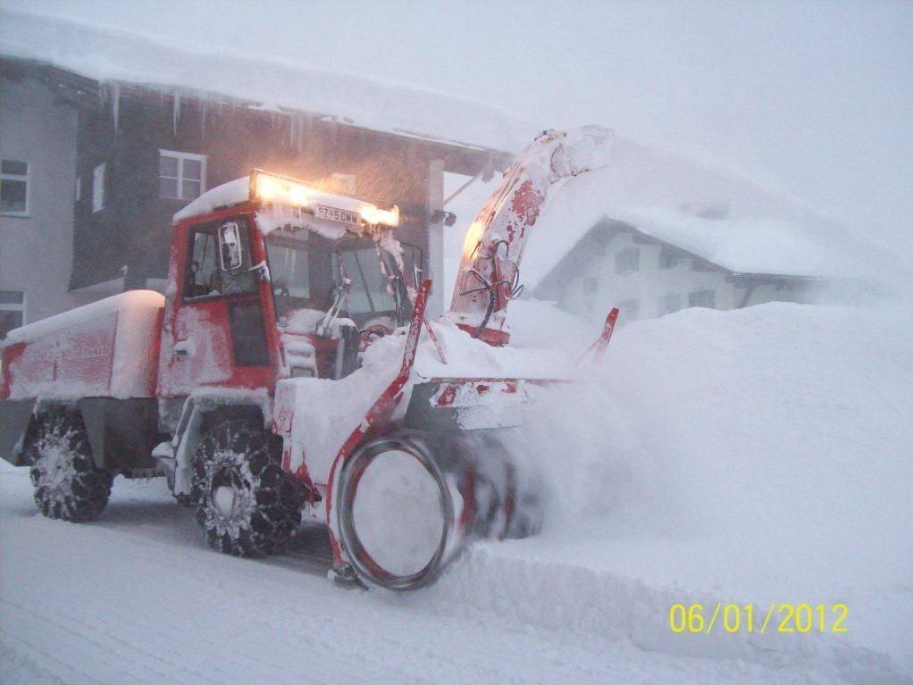 Schnee sorgte am Arlberg für Chaos