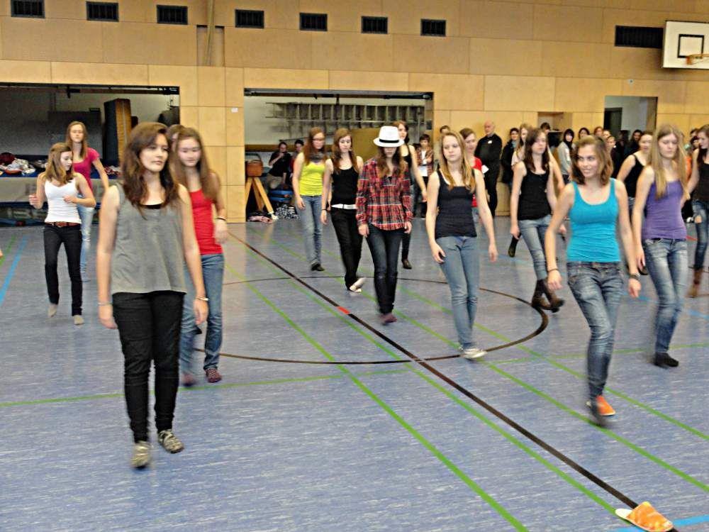 Die Tanzvorführung der BORG-Schülerinnen begeisterte beim Infotag.