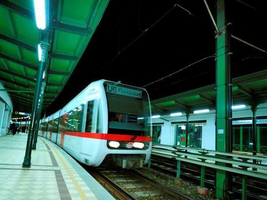 Auf der U-Bahnlinie U6 wurden in der Nacht auf Montag vier mutmaßliche Kupferkabeldiebe gefasst.