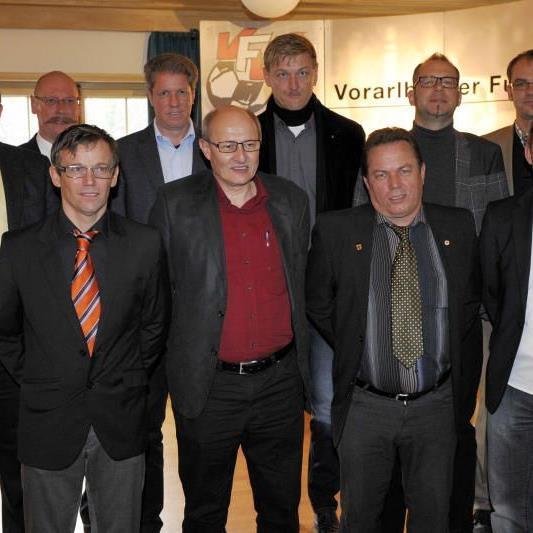 Der neugewählte Vorstand des Vorarlberger Schiedsrichterkollegiums.