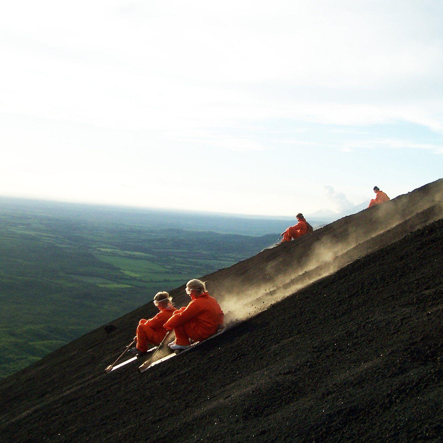 Vulkan-Boarding am Cerro Negro / Nicaragua.