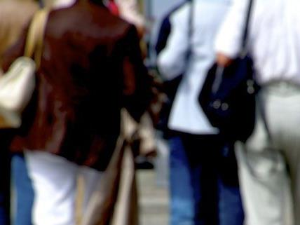 Pensionist in Korneuburg auf offener Straße ausgeraubt