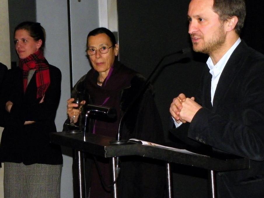 KUB - Direktor Yilmaz Dziewior eröffnete die Ausstellung von  Künstlerin Yvonne Rainer