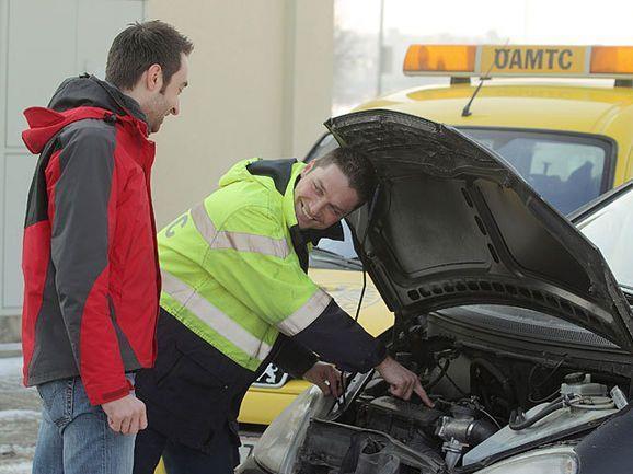Hilfe auch am Sonntag: Die Autofahrerorganisationen haben Hochbetrieb