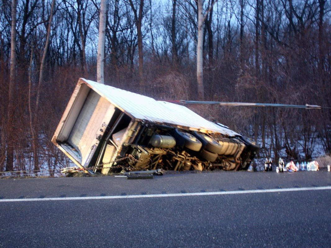 Lkw-Unfall auf der S5