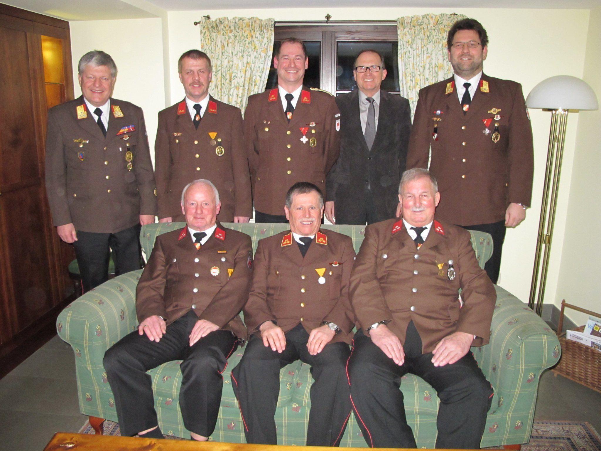 Ehrengäste mit den Geehrten