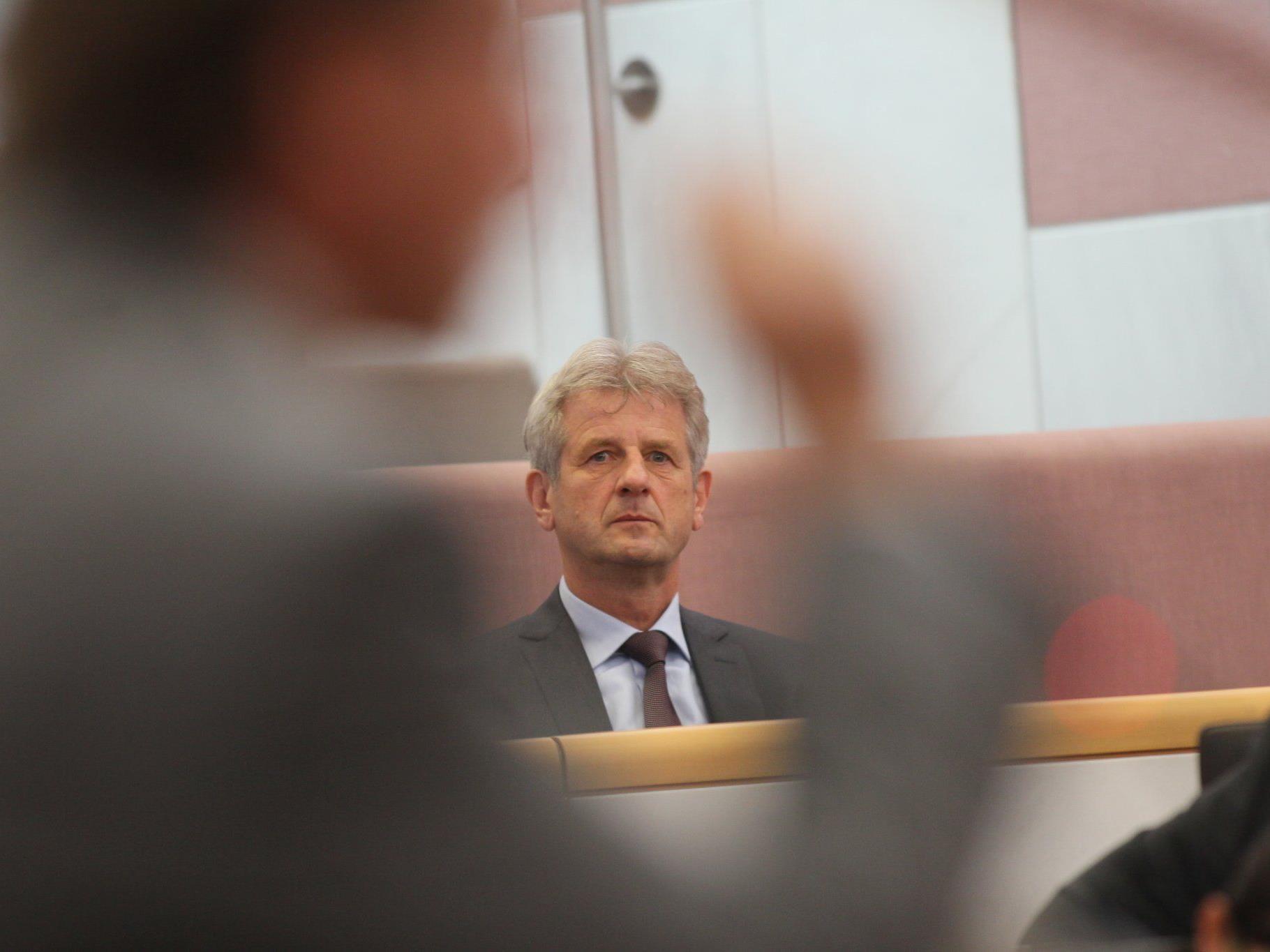 Welche Kompetenzen bekommt der Landesrechnungshof? Direktor Schmalhardt muss abwarten.