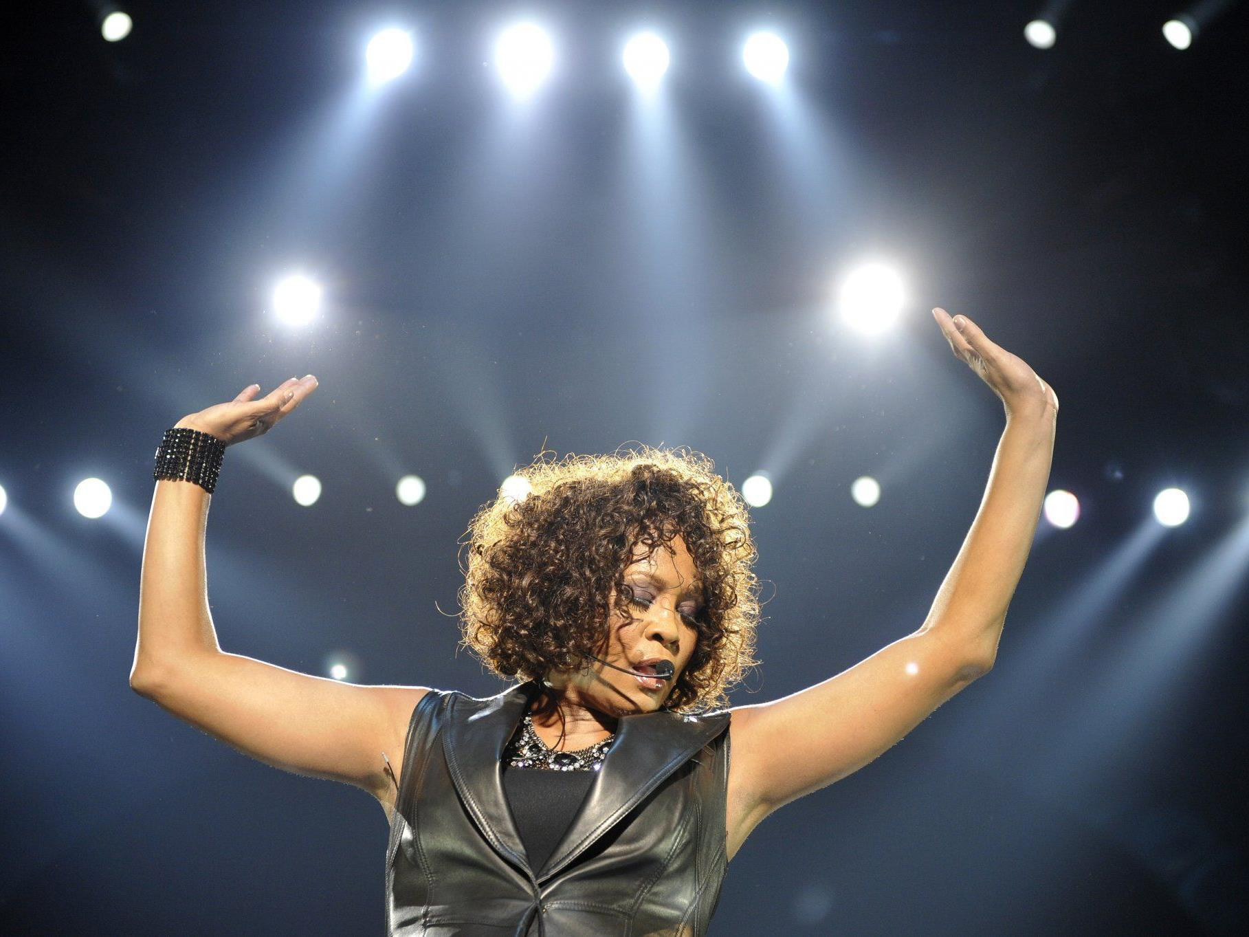 """Whitney """"The Voice"""" Houston starb Spekulationen zufolge am selben Medikamenten-Mix wie Michael Jackson."""