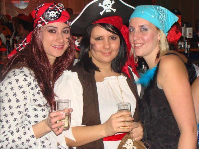 Piratinnen und Piraten wohin man schaute