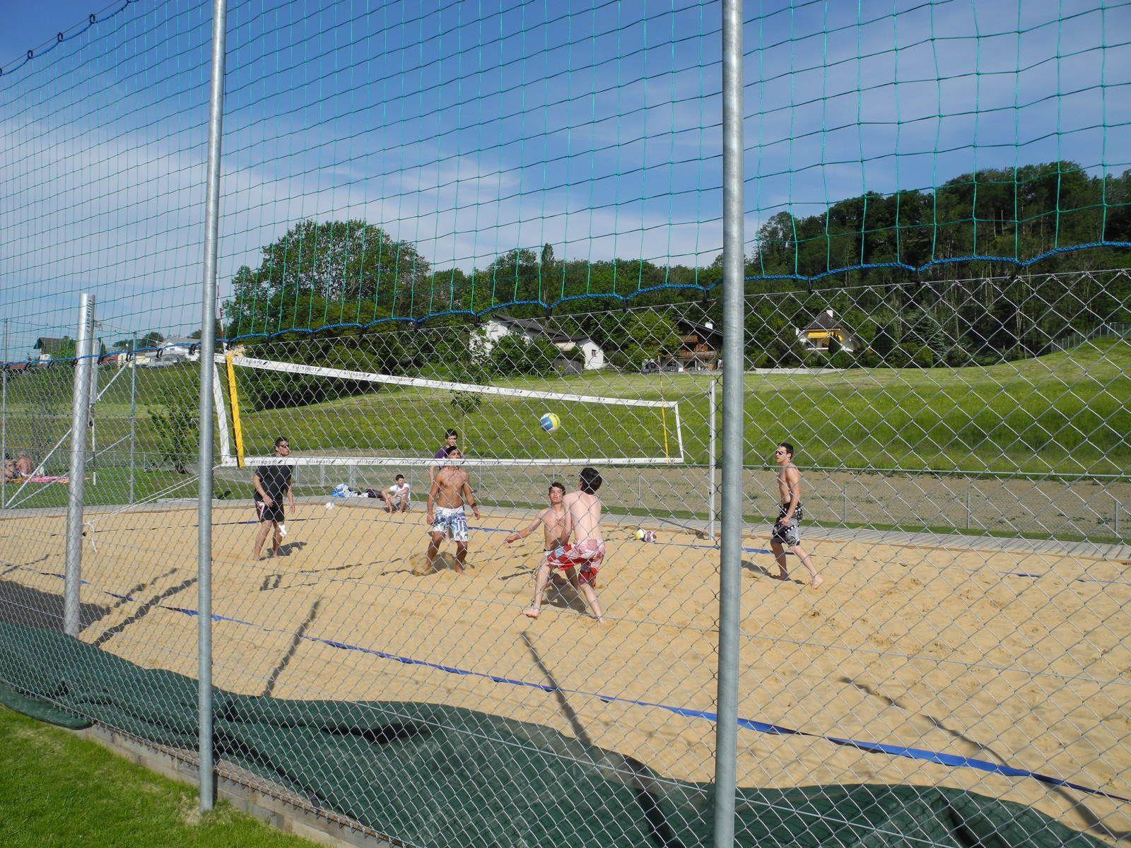 Der Beachvolleyballplatz in der Freizeitanlage Grossabündt ist eine der zwei Lärmquellen