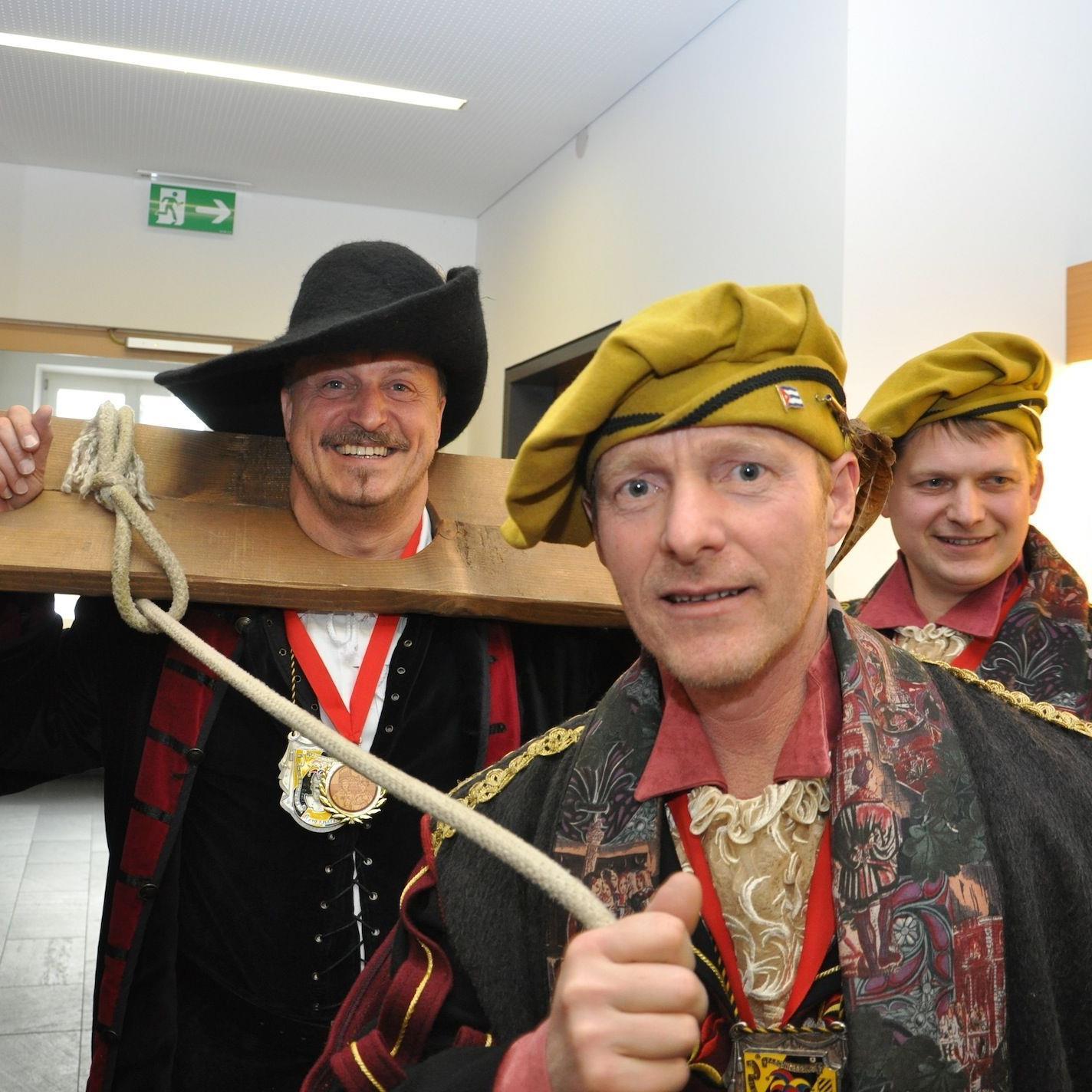 Bürgermeister Karl Hehle wurde abgesetzt.