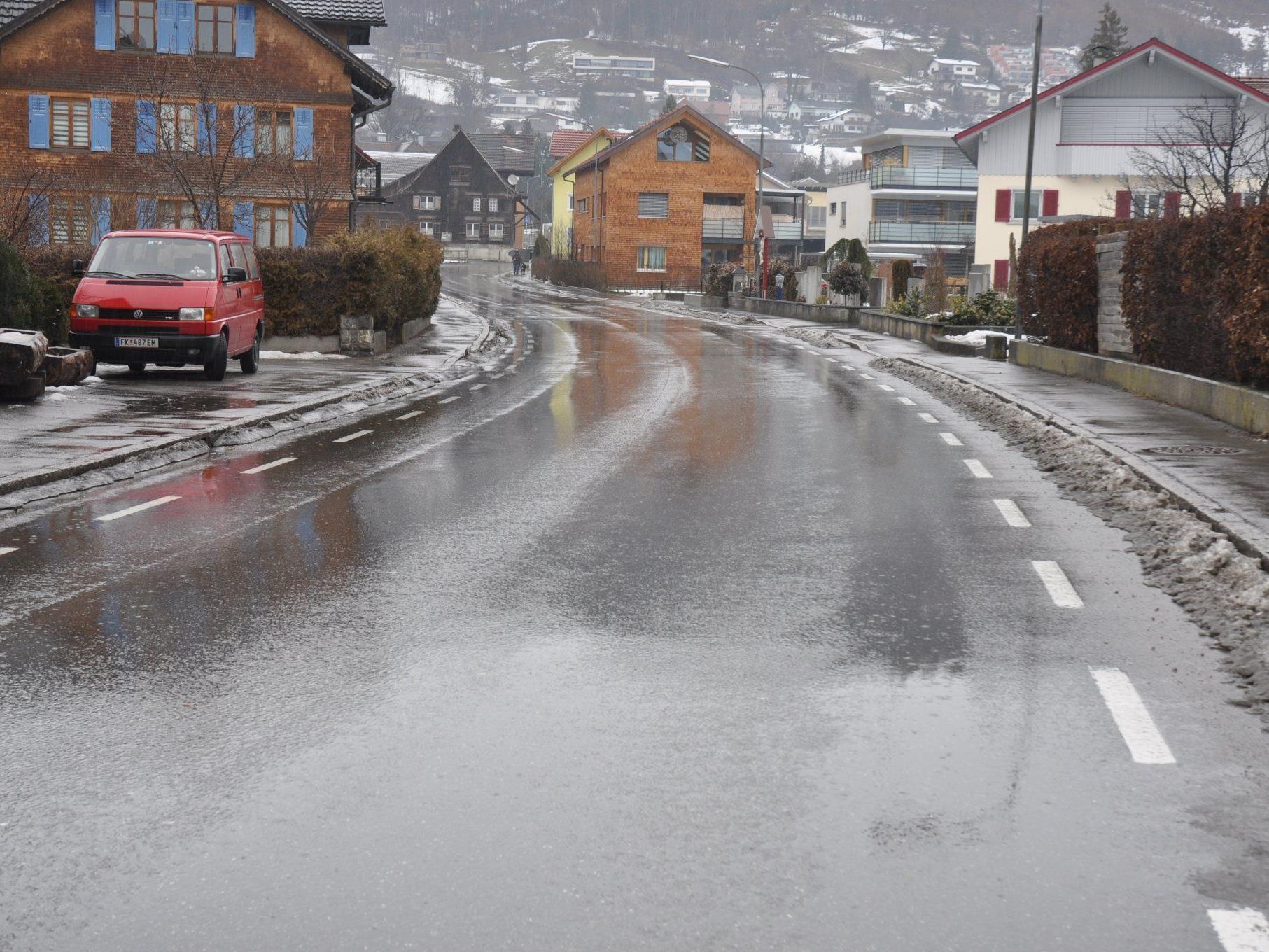 Die Walgaustrasse in Klaus ist ab Mittwoch für den gesamten Verkehr gesperrt.