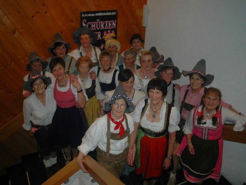 Die Seniorentanzgruppe begeisterte mit ihren Tanzvorführungen.