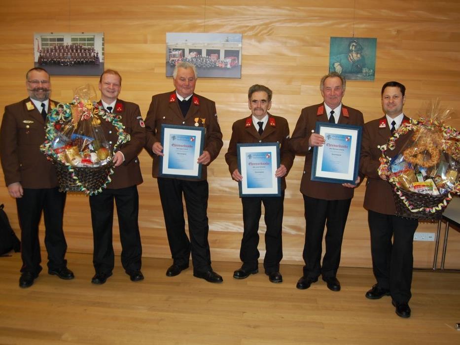 Gleich fünf Ehrungen gab es bei der Jahreshauptversammlung der Feuerwehr Bartholomäberg.