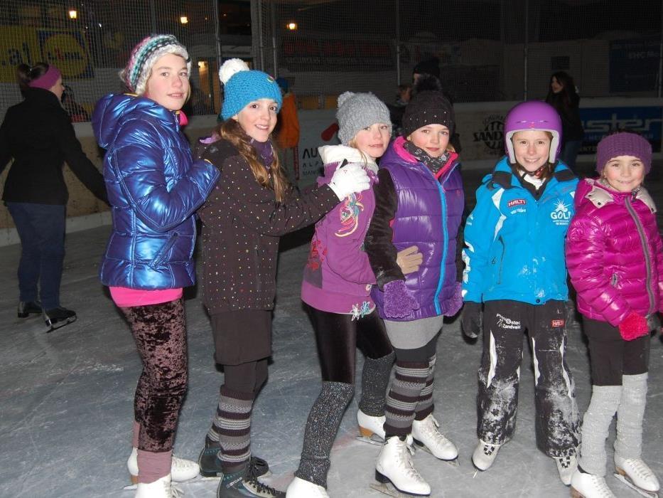 Vor allem zahlreiche Jugendliche trafen sich bei der Eisdisco im Aktivpark.