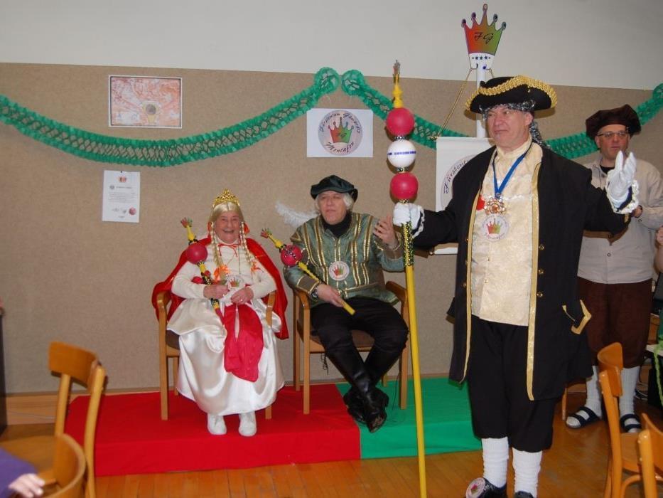 Fürst und Fürstin eröffneten den Gamprätzer Faschingsball.