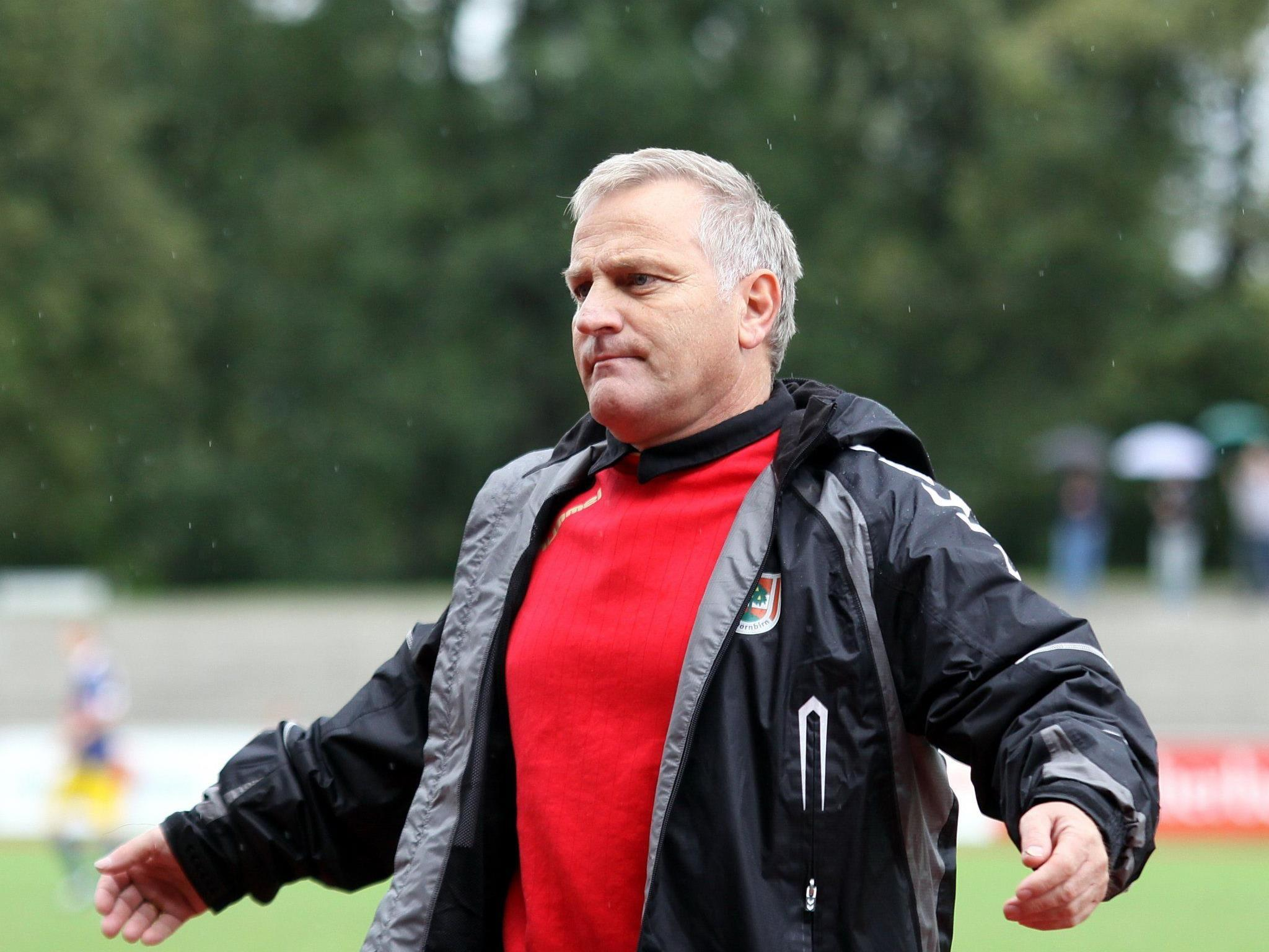 Erfolgscoach Peter Sallmayer empfängt mit Dornbirn den Ligakonkurrent Rivella SC Bregenz.