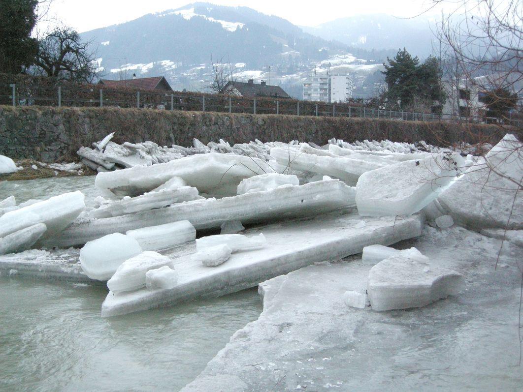 Eisschollen in der Dornbirner Ache