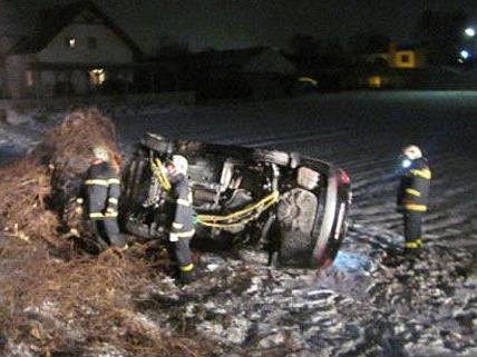 In Neunkirchen Stadt musste ein überschlagener Wagen geborgen werden
