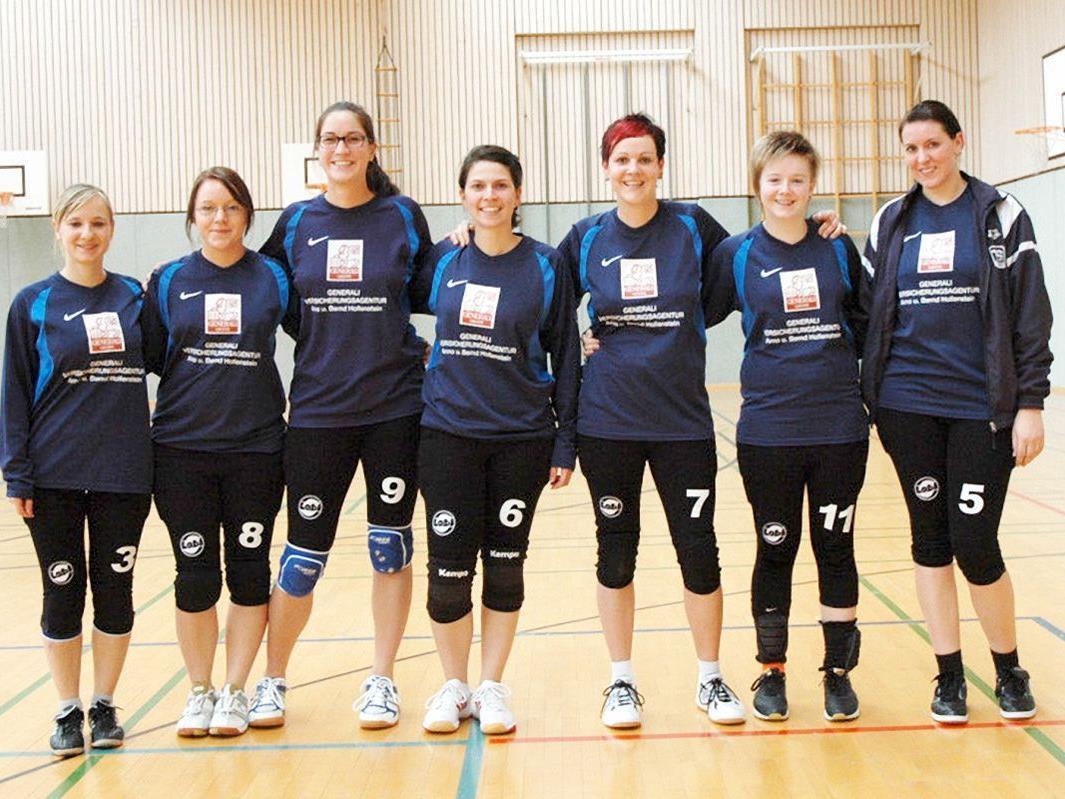Die Faustballerinnen der TS Technoplast Höchst spielen in der Nationalliga B Schweiz