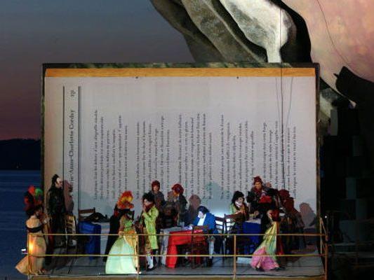"""Demnächst wird das Gesamtprogramm präsentiert: Zu """"André Chénier"""" kommt nicht nur eine Uraufführung, sondern auch ein Schauspiel."""