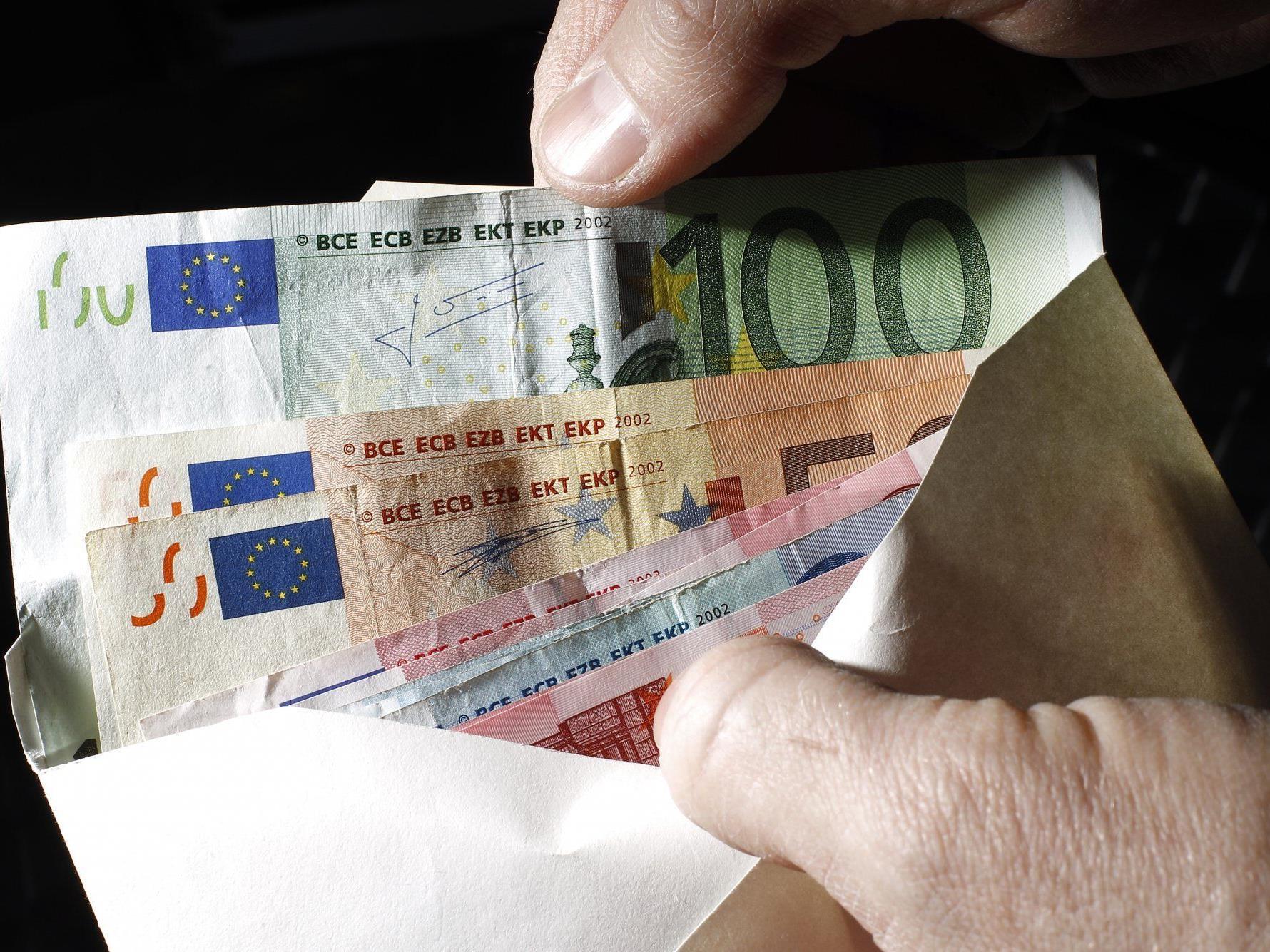 Kuverts mit 10.000 bis 20.000 Euro werden in Braunschweig anonym gespendet.