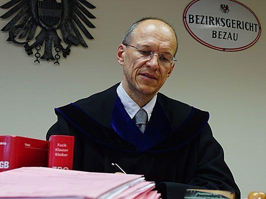 """Rechtsprechung """"ausgezeichnet"""", Verfahrensdauer """"vorbildlich"""": Bertram Metzler vom BG Bezau heimst regelmäßig Lob ein."""