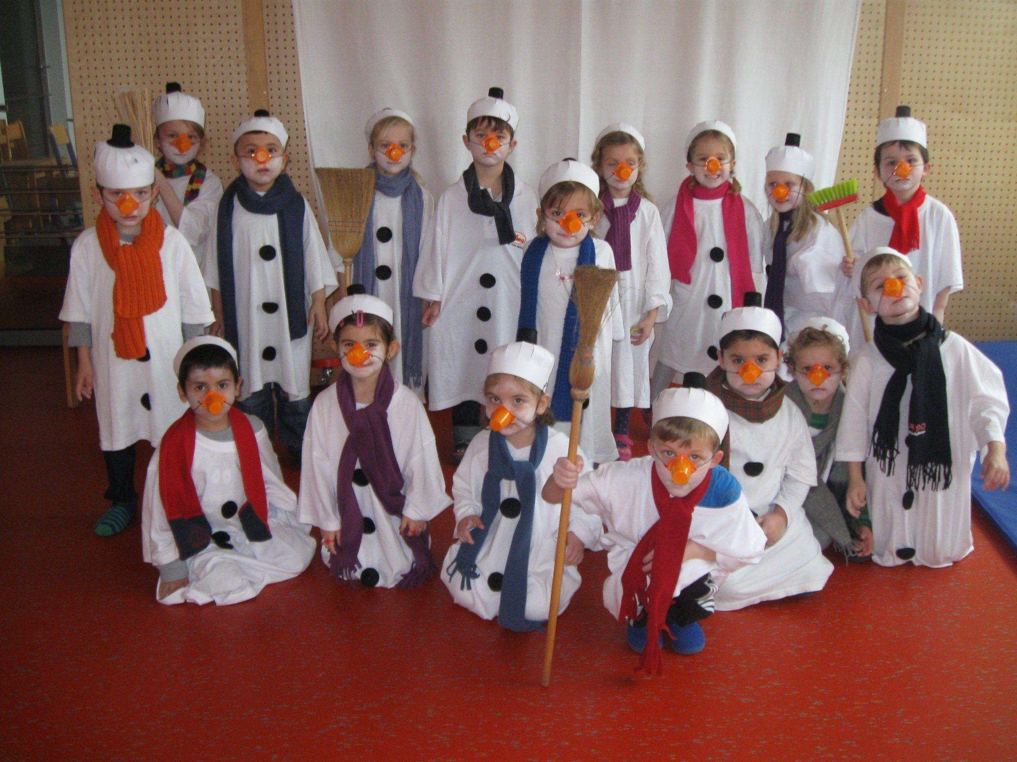 Die Elefantengruppe des Bezauer Kindergartens - sind wir nicht tolle Schneemänner?
